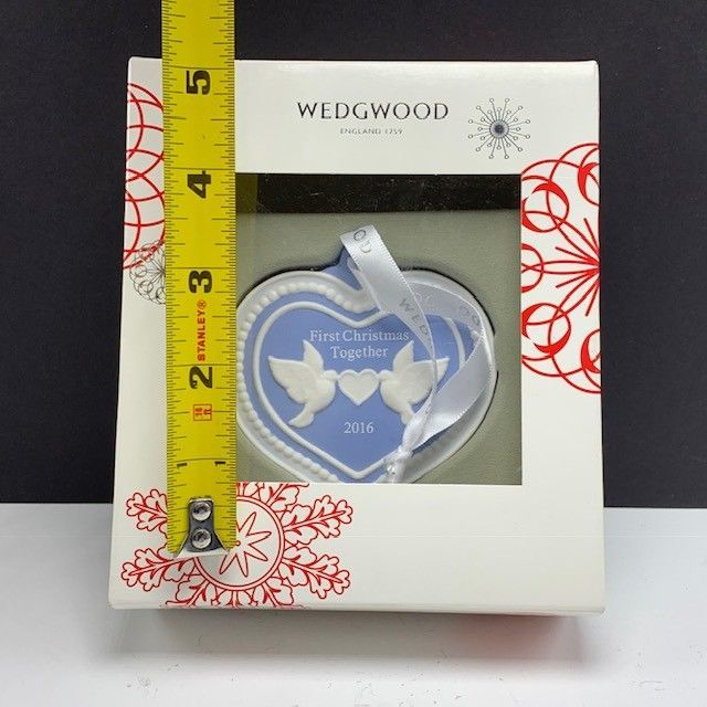 Wedgwood christmas ornament England First 2016 turtle doves figurine together 4