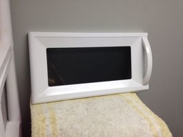 LG Gold Star Microwave Oven Complete Door 3518W1A388P White - $31.99
