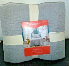 Opalhouse Stitched Medallion Quilt - Gray - Size:Twin - new with tags - STORE image 1