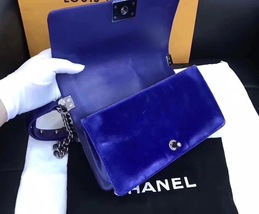 AUTHENTIC CHANEL ROYAL BLUE QUILTED VELVET MEDIUM BOY FLAP BAG SHW image 8
