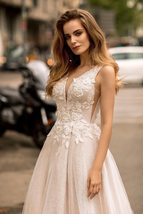 Sexy V-neck Open Back Shiny Tulle Beaded Lace Appliqued Princess A- Line Wedding image 4