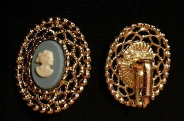Vtg Cameo Earrings Sarah Coventry Wedgewood Blue and Gold-Tone Filigree - $6.93