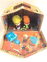 1960's Vintage Wishnik Ideal Troll House Cave Carrying Case - $59.39