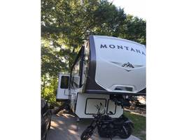 2017 Keystone MONTANA 3661RL For Sale in Platte City, MS 64079 image 2