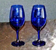 Cobalt Bell Shaped Wine Glass Pair with Trumpet Vase AA19-1461 Vintage image 2