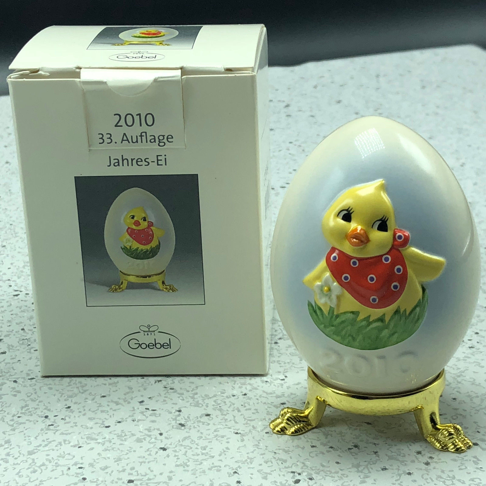 2010 GOEBEL ANNUAL EASTER EGG West Germany 33rd edition figurine G105341 chicken