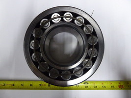 22318 CCJA/W33A15 SKF Spherical Roller Bearing New 22318CCJA/W33A15 image 1
