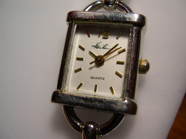 """L40, KATHIE LEE, Ladies White Faced Watch, 6.5""""  Silver Link Band, wb - $19.99"""