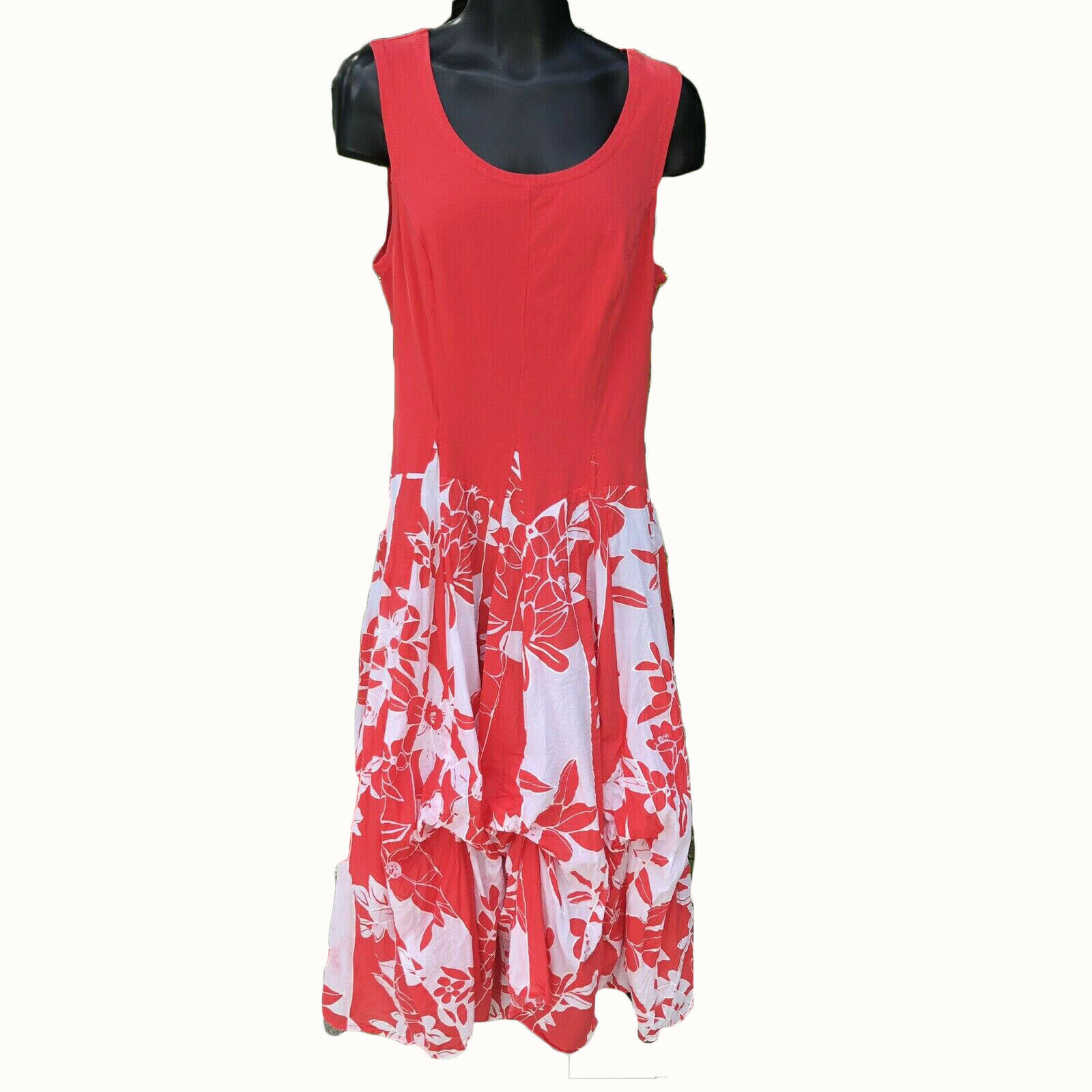 Vasna Desire Sleeveless Fit Flare Dress Size Small Coral White Floral Hawaiian