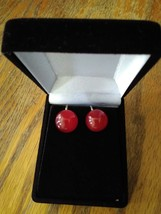 Vintage 1940s 1950s Cherry Red Moonglow Lucite Button Screwback Earrings - $14.99
