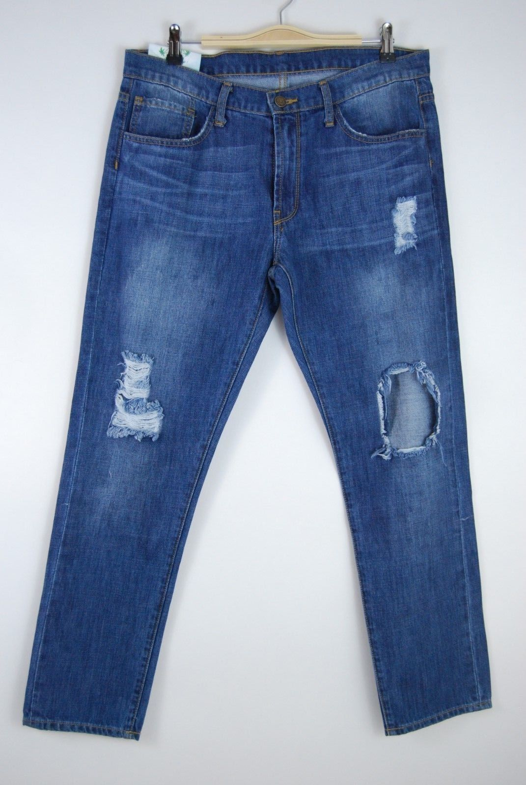 Sadie & Sage Distressed Jeans - Size 31