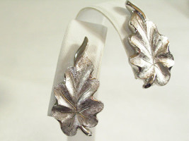 MONET Brushed Silver Plated LEAF Clip Earrings OAK LEAVES Vintage Classi... - $16.82