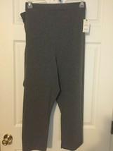 Terra & Sky Women's Gray Knit Capri  4X  Relaxed Fit   NWT - $8.22