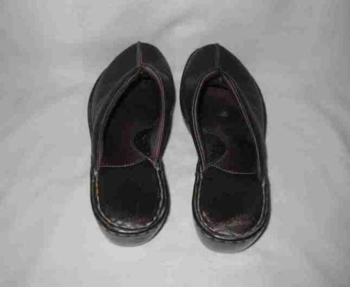Womens Size 9 BORN Brown Mules Shoes