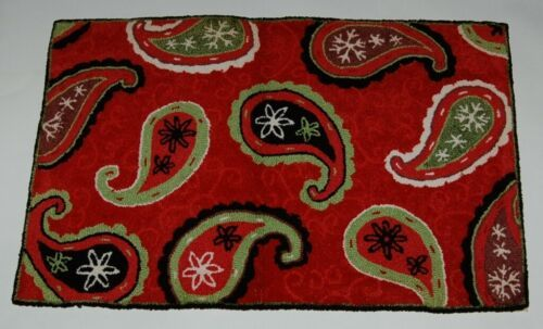 Homefires 546632 Amy Biggers Christmas Paisley Area Rug 22 by 34 Inches