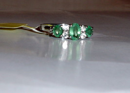 AFRICAN GREEN EMERALD OVAL & WHITE TOPAZ BAND RING, SILVER, SIZE 7, 1.05(TCW) - $89.99