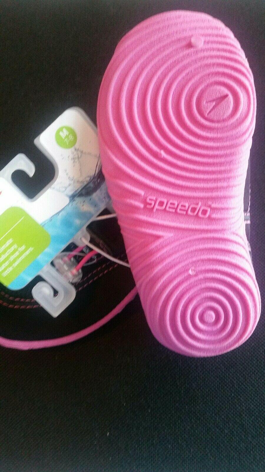 Speedo  Kids Girls Water Shoes NWT Shoe Size M 7-8 Pool Beach Lake Black /Pink