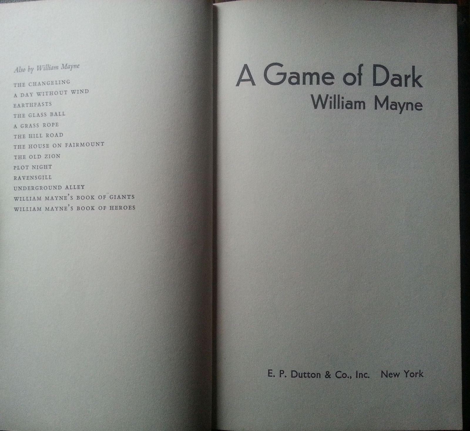 A Game of Dark by William Mayne 1971 HB  Giant Worm!