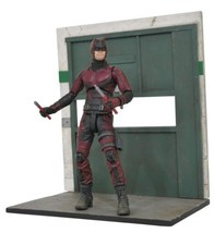 Diamond Select Toys MAY172531 Marvel Netflix Daredevil Action Figure  - $38.38