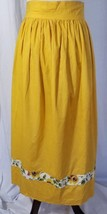 Vintage 1950 Apron Yellow Gold With Flower Trim Hemline Ties In Back - $28.22