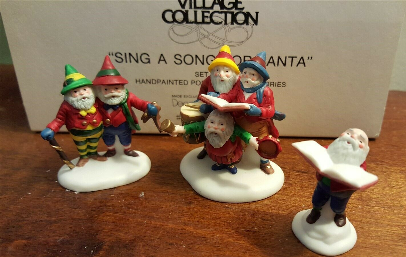 Dept 56 North Pole Accessory SING A SONG FOR SANTA 3 Piece Figurine Set 56316 - $14.00