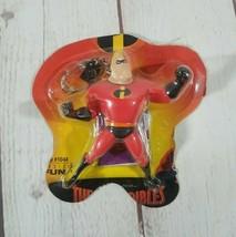 "2004 Disney The Incredibles Mr. Incredible 4"" Keychain Basic Fun # 1044 - $7.67"