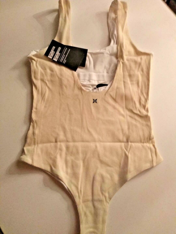 Hurley Q/D BP Body Suit Size Medium