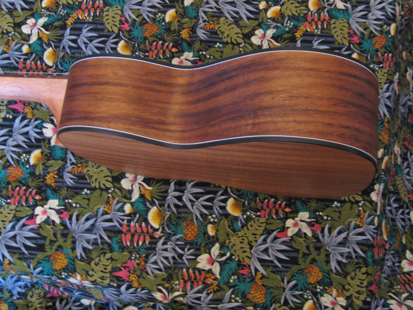 Kahua Tenor Size Ukulele/Asian Koa Wood/Gorgeous/27""