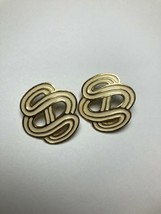 Vintage Costume Jewelry Earrings Gold Tone And Cream Infinite S's - $6.34