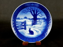 """""""Hare In Winter"""" ~ Bing & Grondahl 7.25"""" Plate, 1971, Rabbit In Snow, #H... - $6.81"""