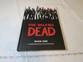 The Walking Dead Buch 1 Von Robert Kirkman Und Tony Moore Hardcover Comi... - $21.36