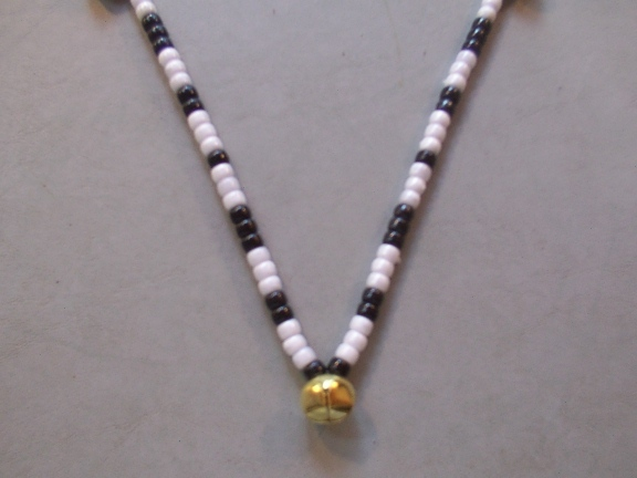 MISCHIEF ~ HORSE RHYTHM BEADS ~ Black, White ~ Size 54 Inches