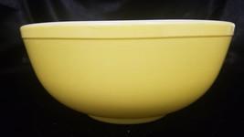Vintage Pyrex Bright Yellow (#404) Mixing Bowl - $31.50