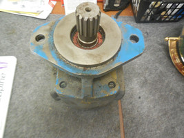 PARKER COMMERCIAL HYDRAULIC PUMP # 033-133-2447 image 2