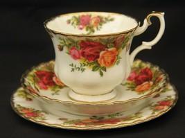 Elegant Vintage Royal Albert Bone China Trio in Old Country Roses Pattern - $16.73
