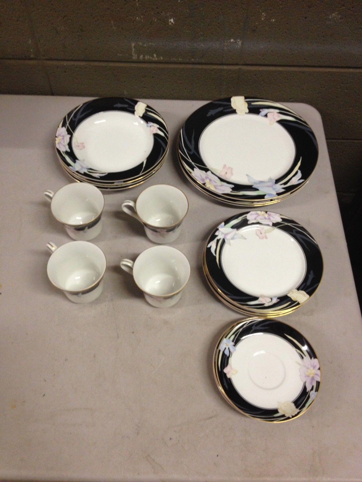 Mikasa Charisma Black L9050 Lot of 5 Dinner Plates