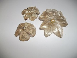 VINTAGE  SILVER TONE WIRE FLOWER BROOCH AND EARRINGS GERMANY - $14.99