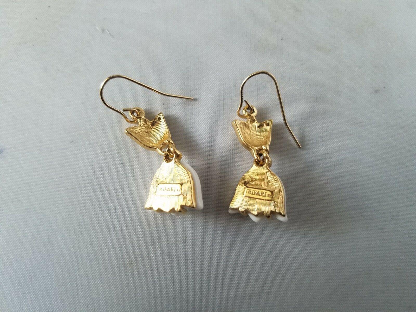 Trifari Vintage Earrings White Enamel Lotus Gold Tone Dangle Fashion Jewelry
