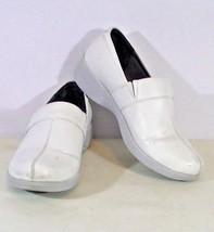 Women's White Dansko Work Wonders Slip Resistant Work Nurse Shoes Size 39 - $19.57