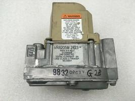 Honeywell VR8205M 2823 Furnace Gas Valve 60J5901 used + FREE shipping #G28 - $34.97