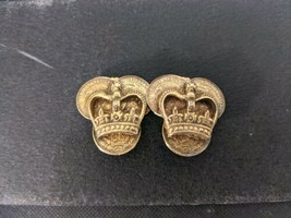 Vintage Signed Karu Arke Inc Gold Crown Clip On Earrings - $11.92
