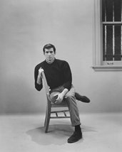 Anthony Perkins In Psycho Creepy Pose In Chair Norman Bates 16X20 Canvas Giclee - $69.99