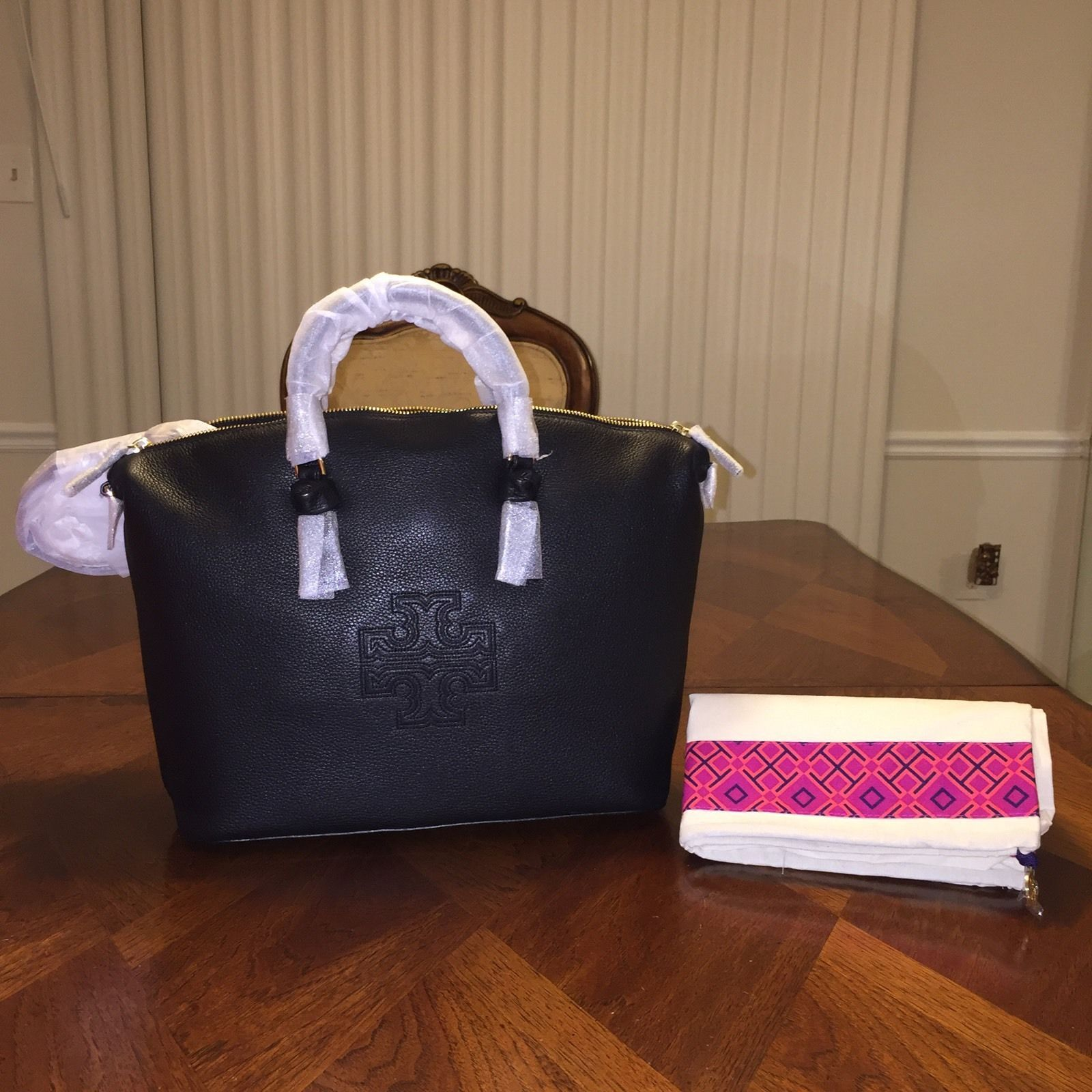50fe52df6251 NWT Tory Burch Harper Slouchy Satchel in and 50 similar items. S l1600