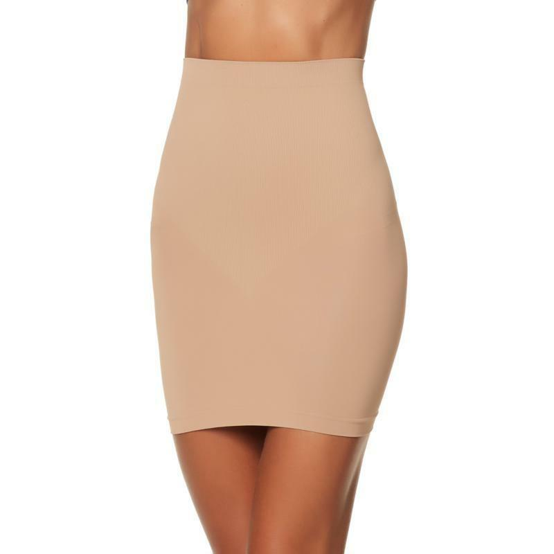 Rhonda Shear Smoothing Seamless Slip in Nude, size Small - $16.82