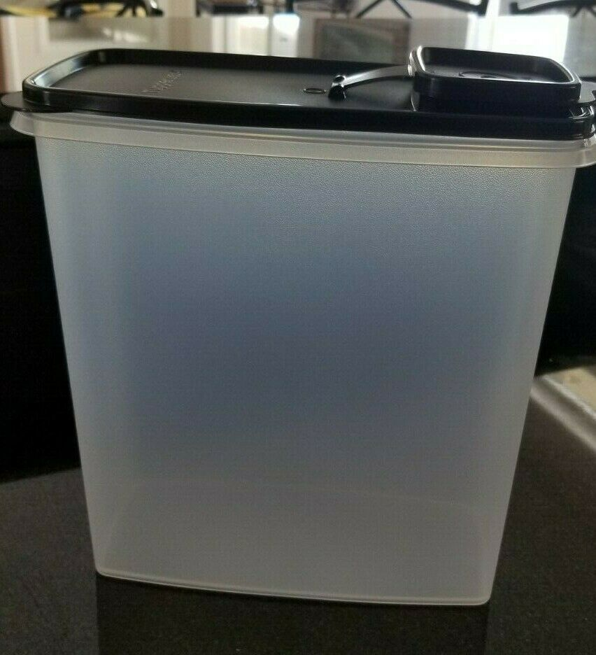Tupperware Snack Stor 9X9 container Vineyard//Wine seal Keeper Bar Store