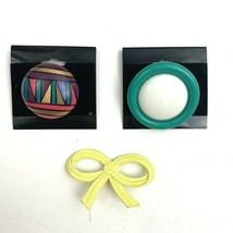 Brooch Lot Round Chunky Plastic Multicolor Yellow Enamel Bow NOS - $8.86
