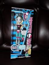 Lagoona Blue Monster High Dead Tired 2012 Series Doll Sealed Retired NEW - $24.80
