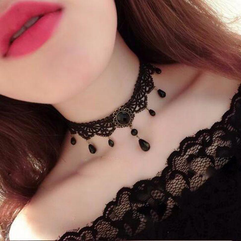 Black Velvet Lace Choker Necklace Fashion Women Pendant Gothic Jewelry Strad Gif