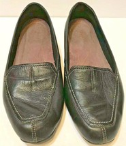 Clarks Artisan Women's 9.5 W Black Loafers Slip On Leather Upper - $27.38