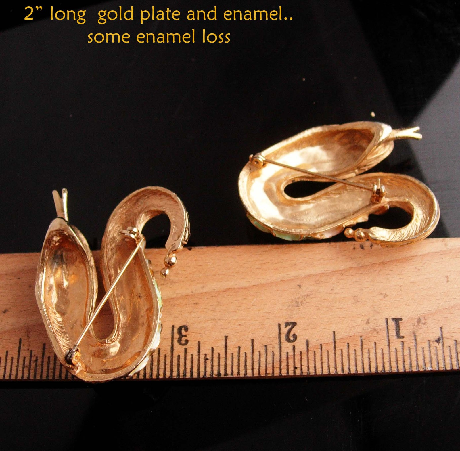 Exotic pair  Snake brooch - serpent duettes - Vintage enamel  Figural Cleopatra